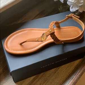 🇺🇸Tommy Hilfiger Loreas sandals in cognac 🇺🇸